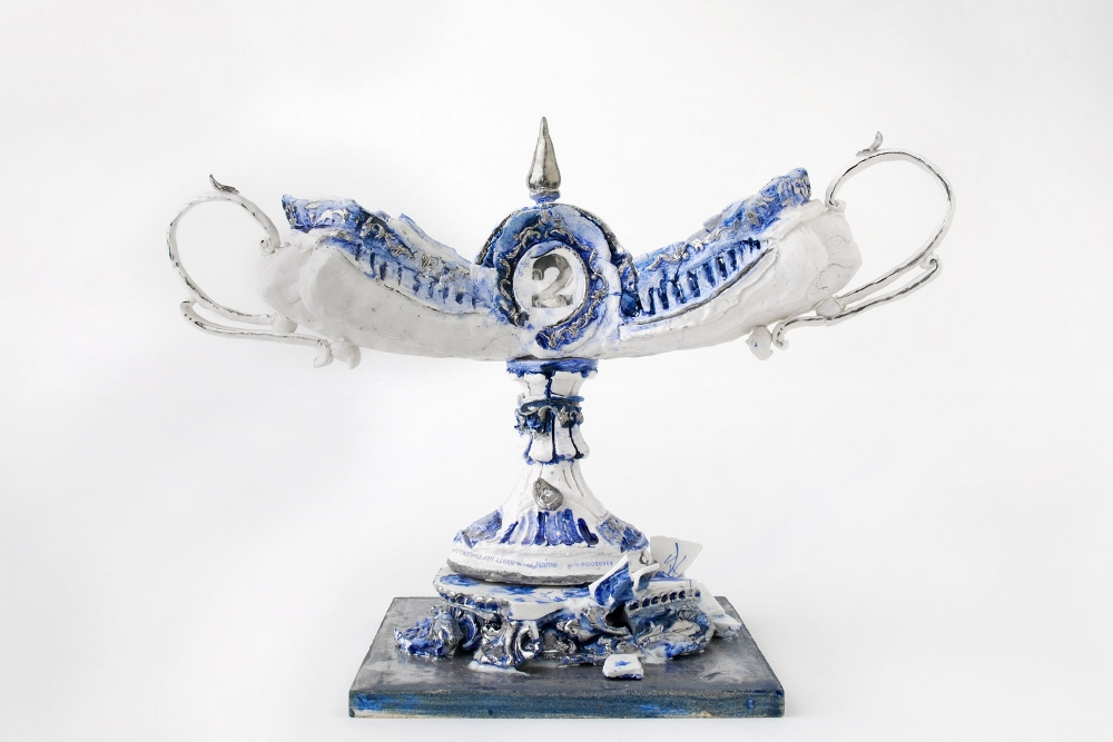 David Ray-Second- 2010 Porcelane, Silver-30cmH,45cmW, 15cmD (1000x667)